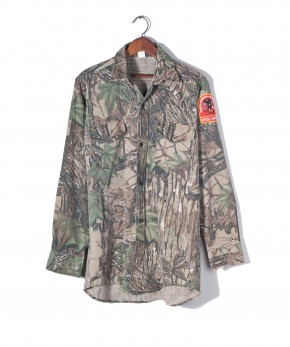 Realtree camo shirt.